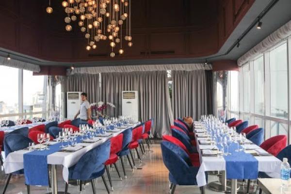 30-4 Cafe Restaurant