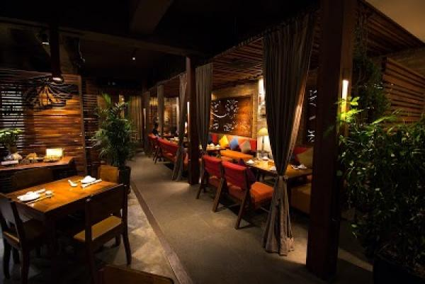 /places/category/364/hum-vegetarian,-lounge-%26-restaurant