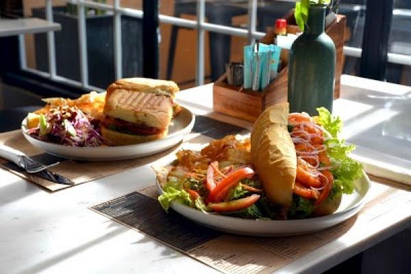 Journeys Sandwich Cafe - Backpacker District